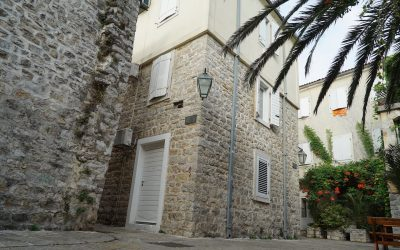 7249 House with three floors in Old Town, Budva