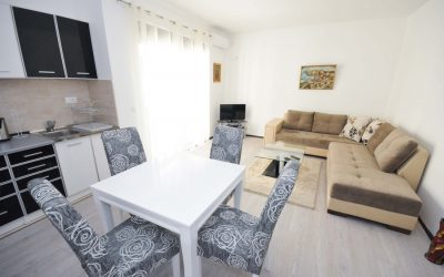 7363 One bedroom apartment with partly sea view, Center, Budva
