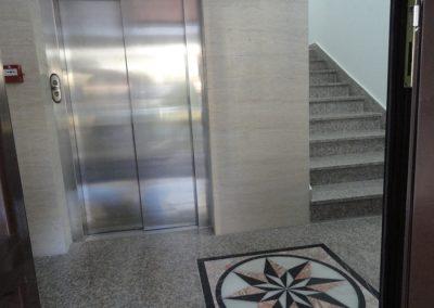 Budva - Ulaz u zgradu #3