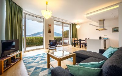 7406 Special offer of luxury apartment on first line to the sea