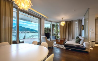 7407 Special offer of luxury apartment on first line to the sea