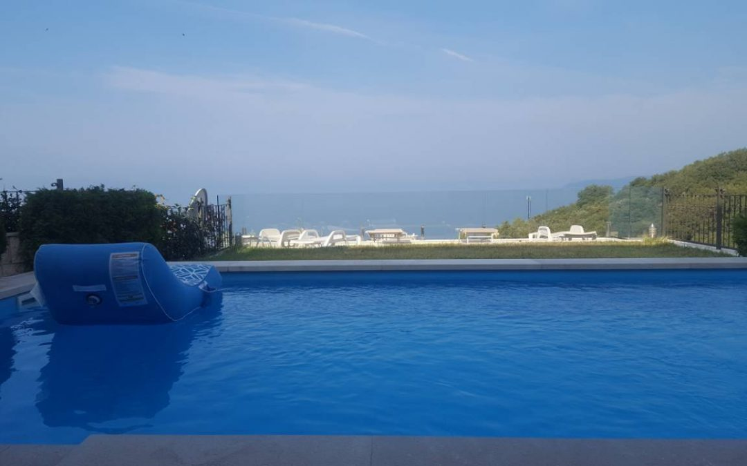 7277- Villa with swimming pool and sea view, Rezevici