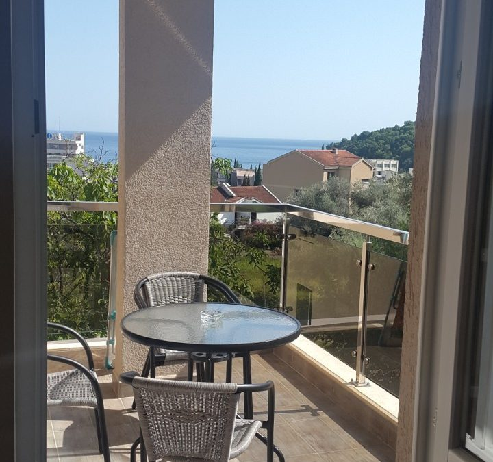 7442- Apartment with two bedrooms – with sea view, Bečići